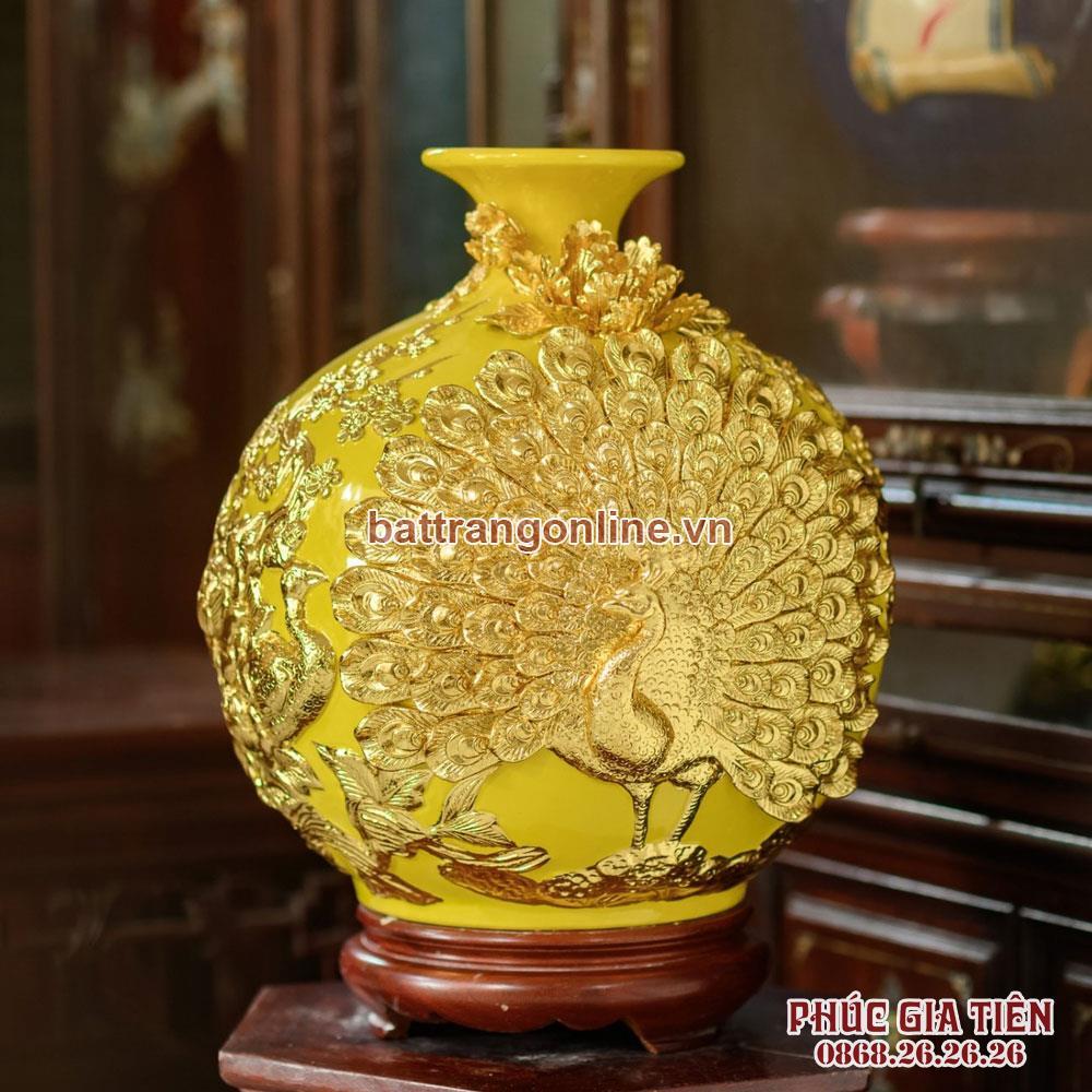Bình hút lộc chim công dát vàng nền vàng cao 38cm