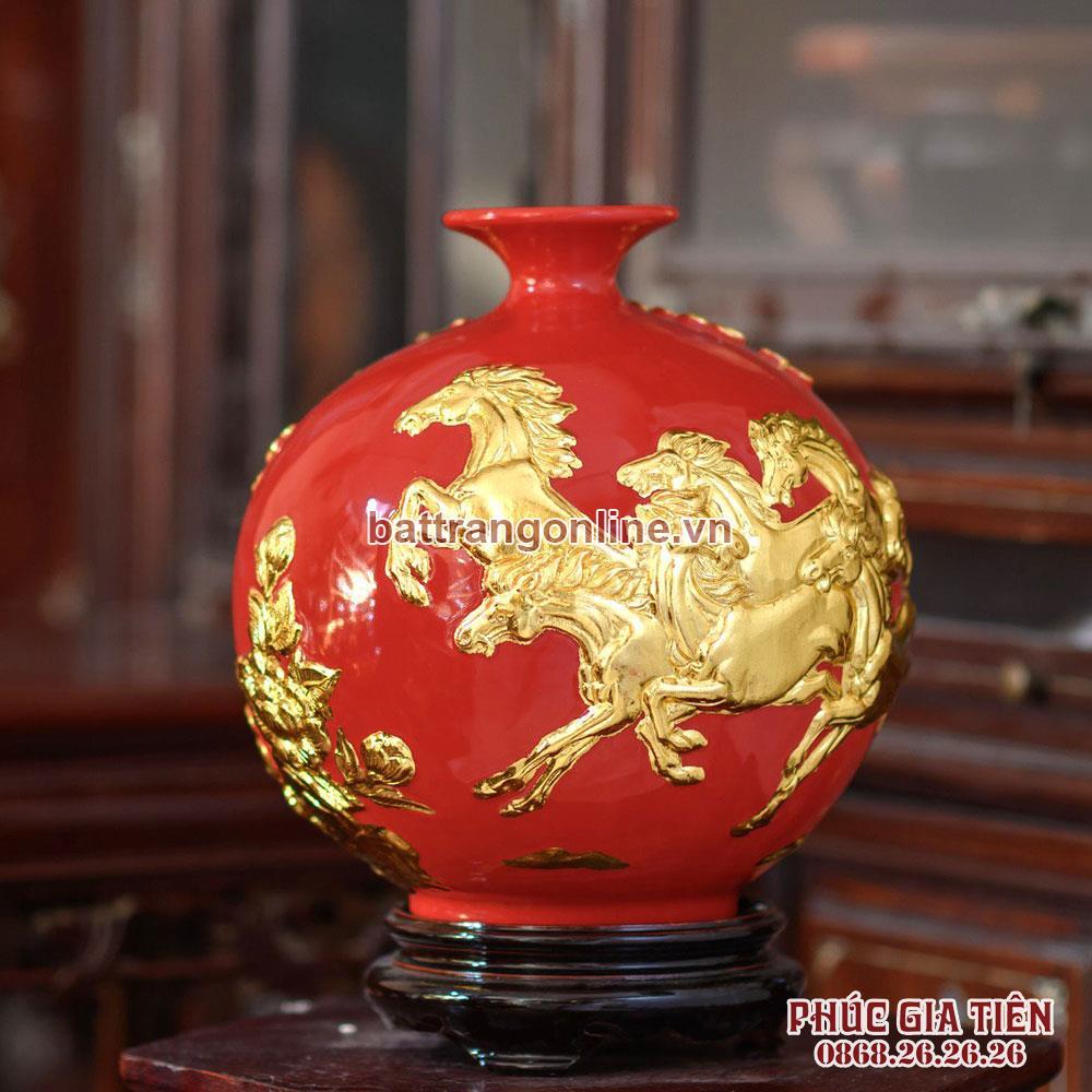 Bình hút lộc mã đáo thành công dát vàng nền đỏ cao 28cm