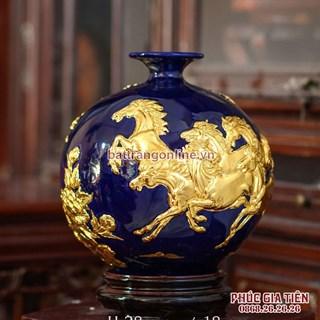 Bình hút lộc mã đáo thành công dát vàng nền xanh đậm cao 28cm