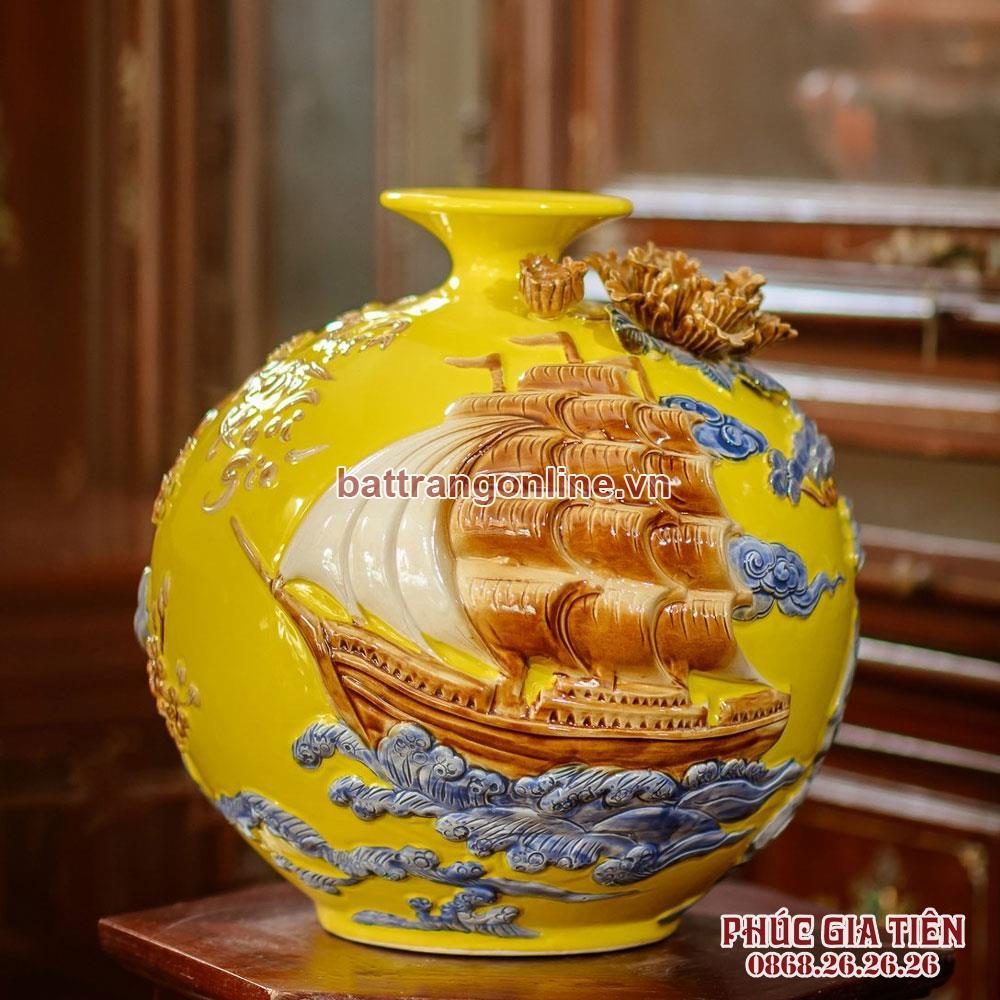 Bình hút lộc Thuận buồm xuôi gió nền vàng cao 30cm