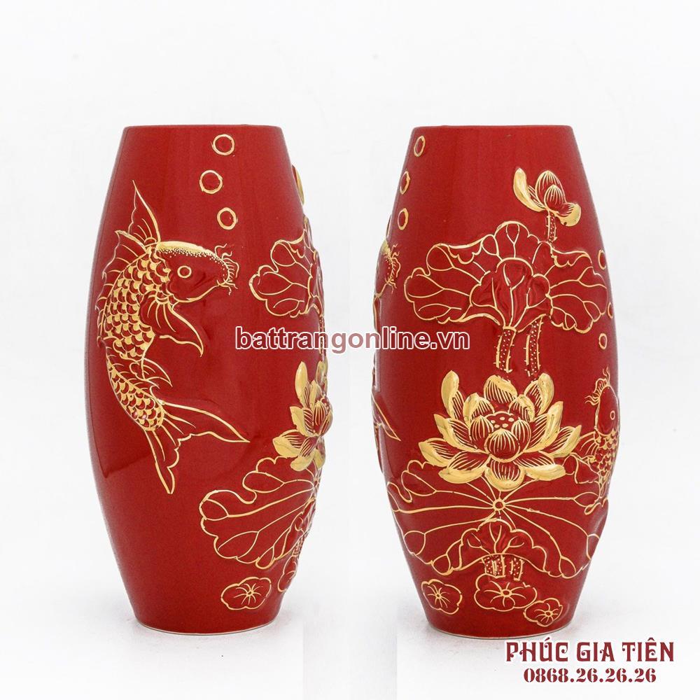 Bình vẽ vàng sen cá nền đỏ, cao 30cm