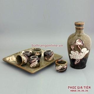 Bộ bình ly uống rượu gấm vàng khắc hoa sen