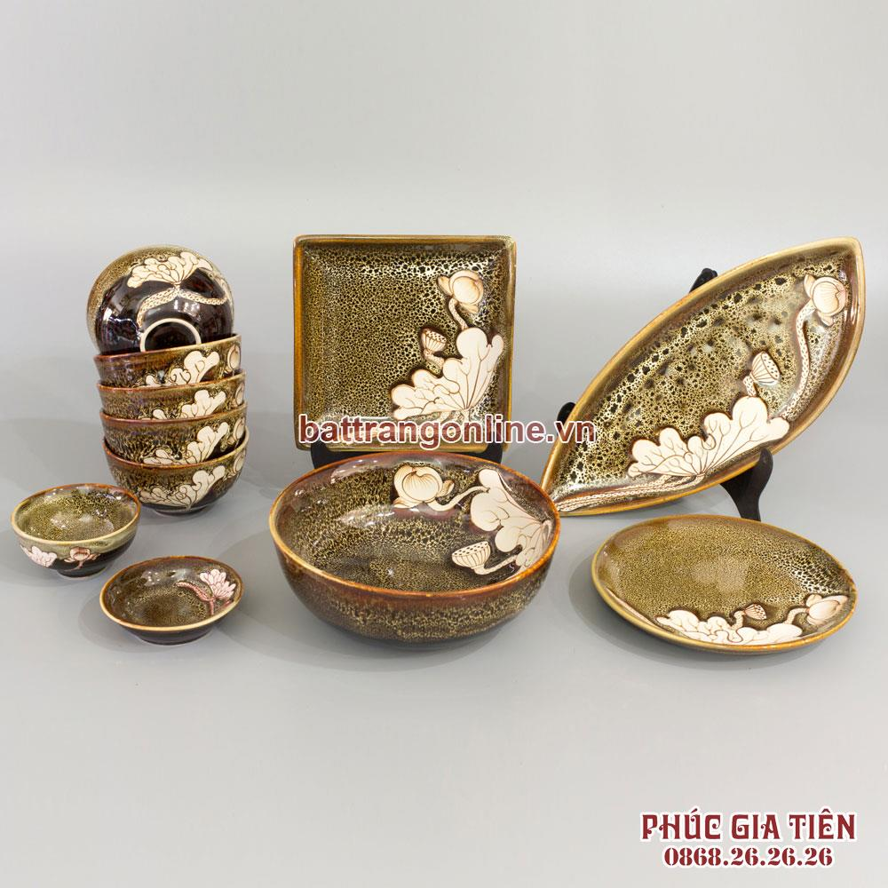 Bộ đồ ăn men gấm vàng 12 món khắc hoa sen