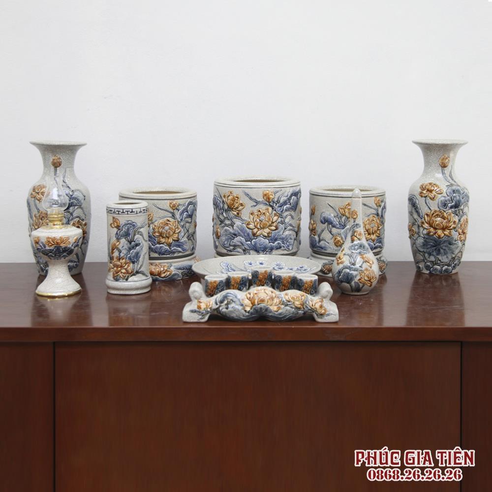 Bộ đồ thờ men rạn đắp nổi hoa sen - ban thờ 1.57m