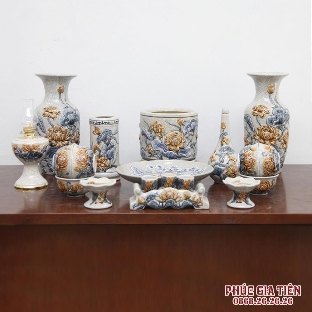 Bộ đồ thờ men rạn đắp nổi hoa sen - ban thờ 1.27m