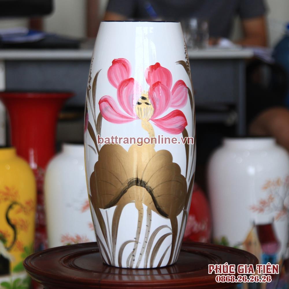 Bình sơn mài bom hoa sen nền trắng cao 31cm