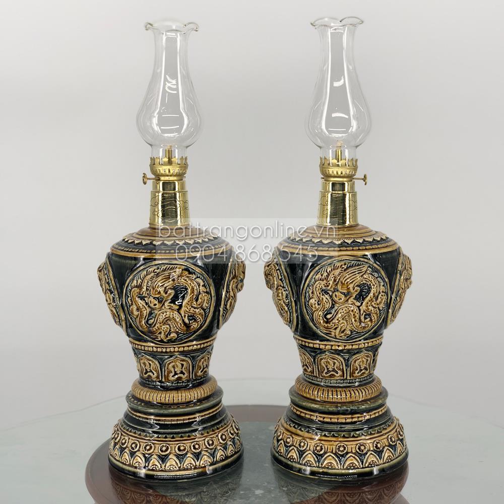 Đôi đèn dầu thờ khắc rồng nổi - men nâu - cao 32 cm