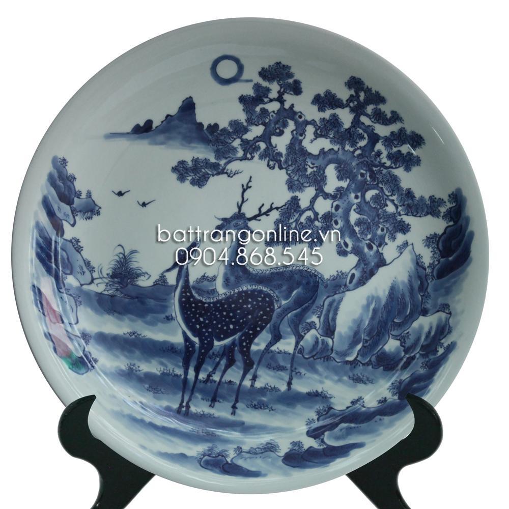 Đĩa cảnh vẽ tùng hươu - men lam cổ - đường kính 43cm