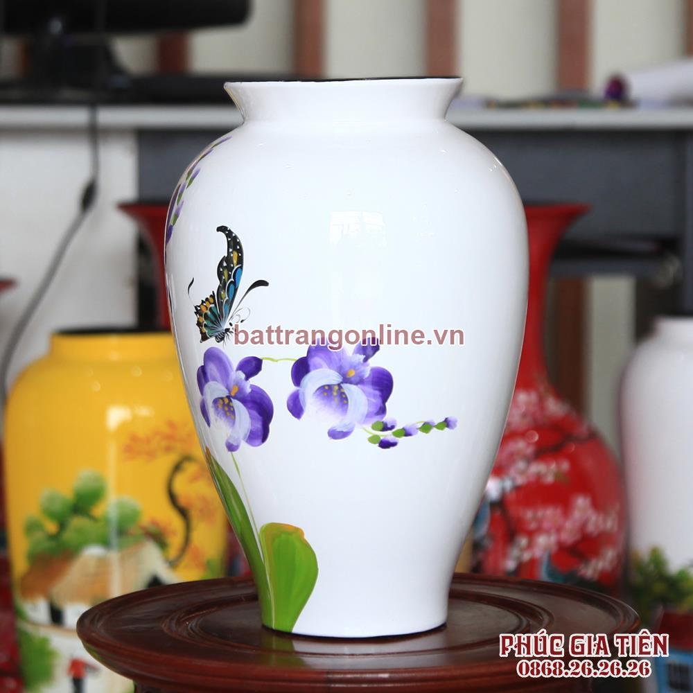 Bình sơn mài đùi dế vẽ hoa lan tím nền trắng cao 28cm