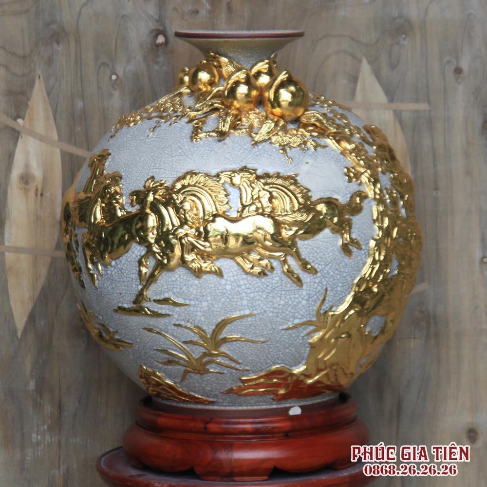 Bình hút tài lộc đắp nổi mã đáo thành công - men rạn cổ - dát vàng 18k - cao 38cm