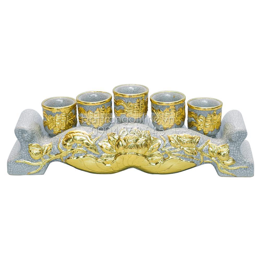 Kỷ ngai 5 chén đắp nổi hoa sen dát vàng