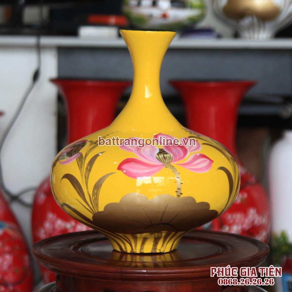 Tỏi sơn mài vẽ hoa sen nền vàng cao 29cm