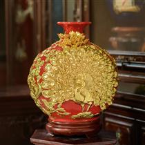 Bình hút lộc chim công dát vàng nền đỏ cao 38cm