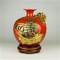 Bình hút lộc dát vàng thuận buồm xuôi gió nền đỏ cao 30cm