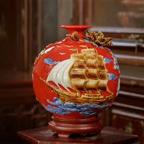 Bình hút lộc thuận buồm xuôi gió nền đỏ cao 28cm