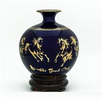 Bình hút lộc vẽ vàng mã đáo thành công nền xanh coban H22cm