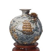 Bình hút tài lộc đắp nổi thuận buồm xuôi gió - men rạn cổ - cao 40cm