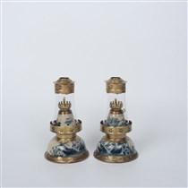 Đôi đèn dầu thờ men rạn vẽ sơn thủy, cao 36cm
