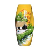 Bình sơn mài dáng xoắn vẽ cảnh đồng quê nền vàng cao 32cm