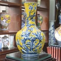 Bình sứ vẽ Mai báo hỷ - cao 70cm