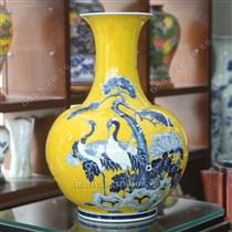 Bình sứ vẽ tùng hạc diên niên - cao 55cm